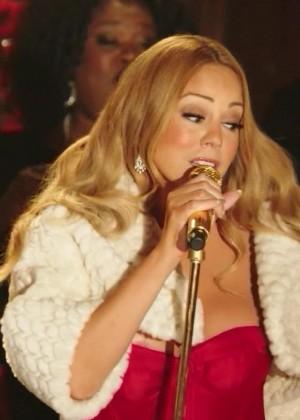 Mariah Carey - Oh Santa - Mariah Carey's Merriest Christmas (2015)