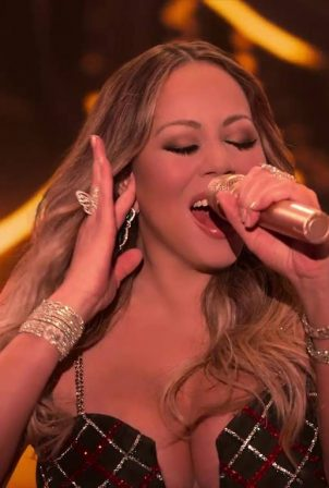 Mariah Carey - Performing 'Oh Santa!' Christmas Special