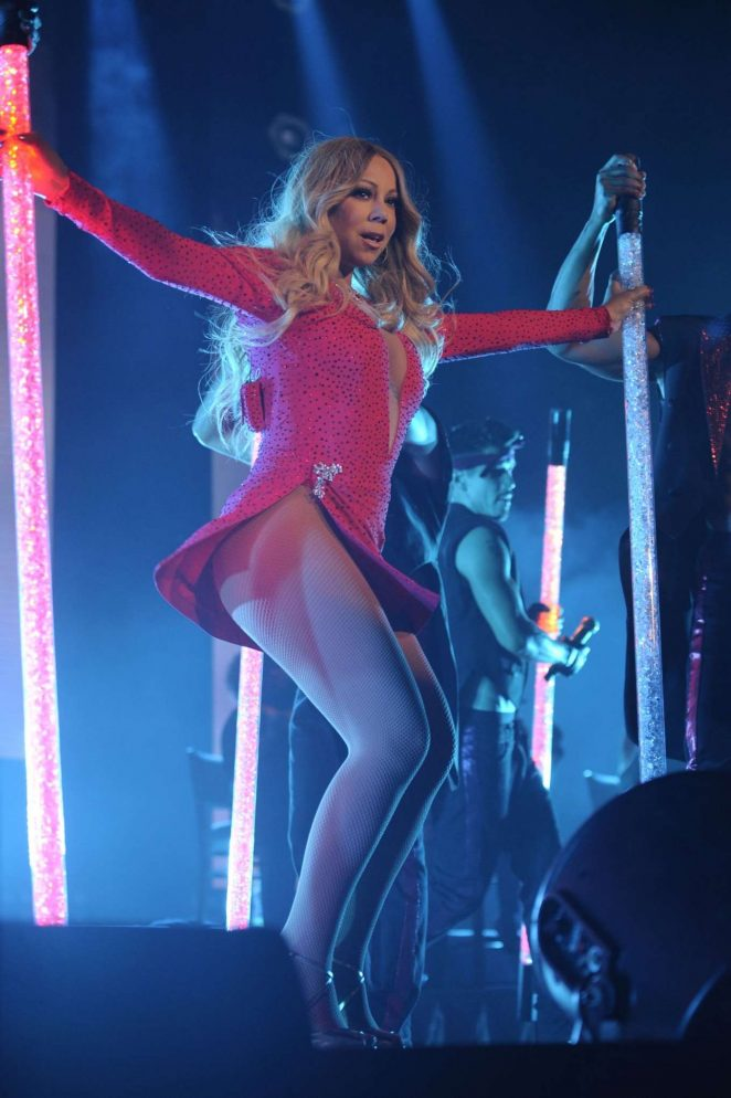 Mariah Carey - Performs at 'The Sweet Sweet Fantasy Tour' in Mexico City
