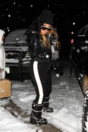 Mariah Carey - Shopping at Louis Vuitton in Aspen