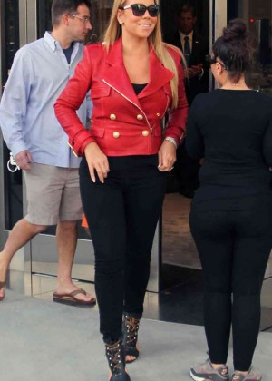 Mariah Carey Shopping on Rodeo Drive in Beverly Hills