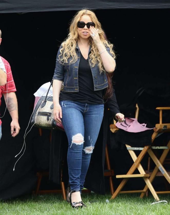 Mariah Carey: Filming A Christmas Melody -03