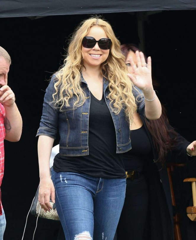 Mariah Carey: Filming A Christmas Melody -05