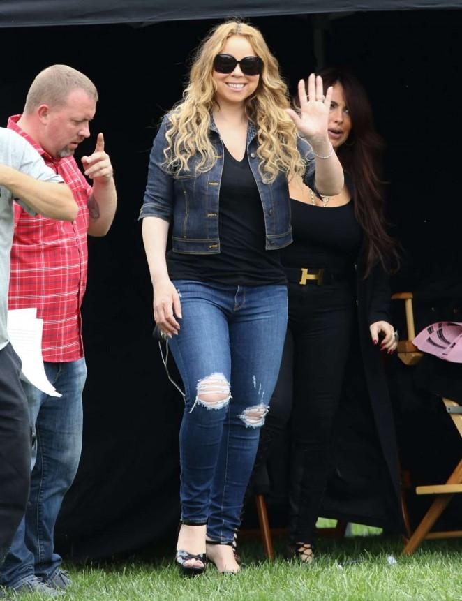 Mariah Carey: Filming A Christmas Melody -17