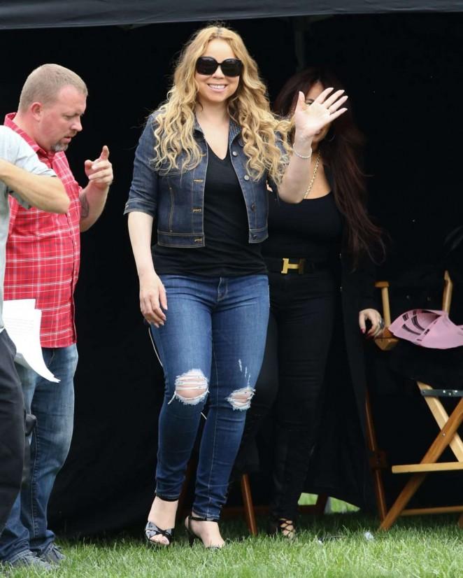 Mariah Carey: Filming A Christmas Melody -23