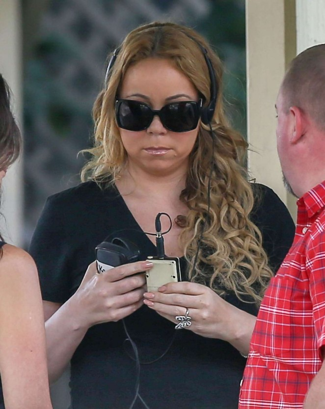 Mariah Carey: Filming A Christmas Melody -24