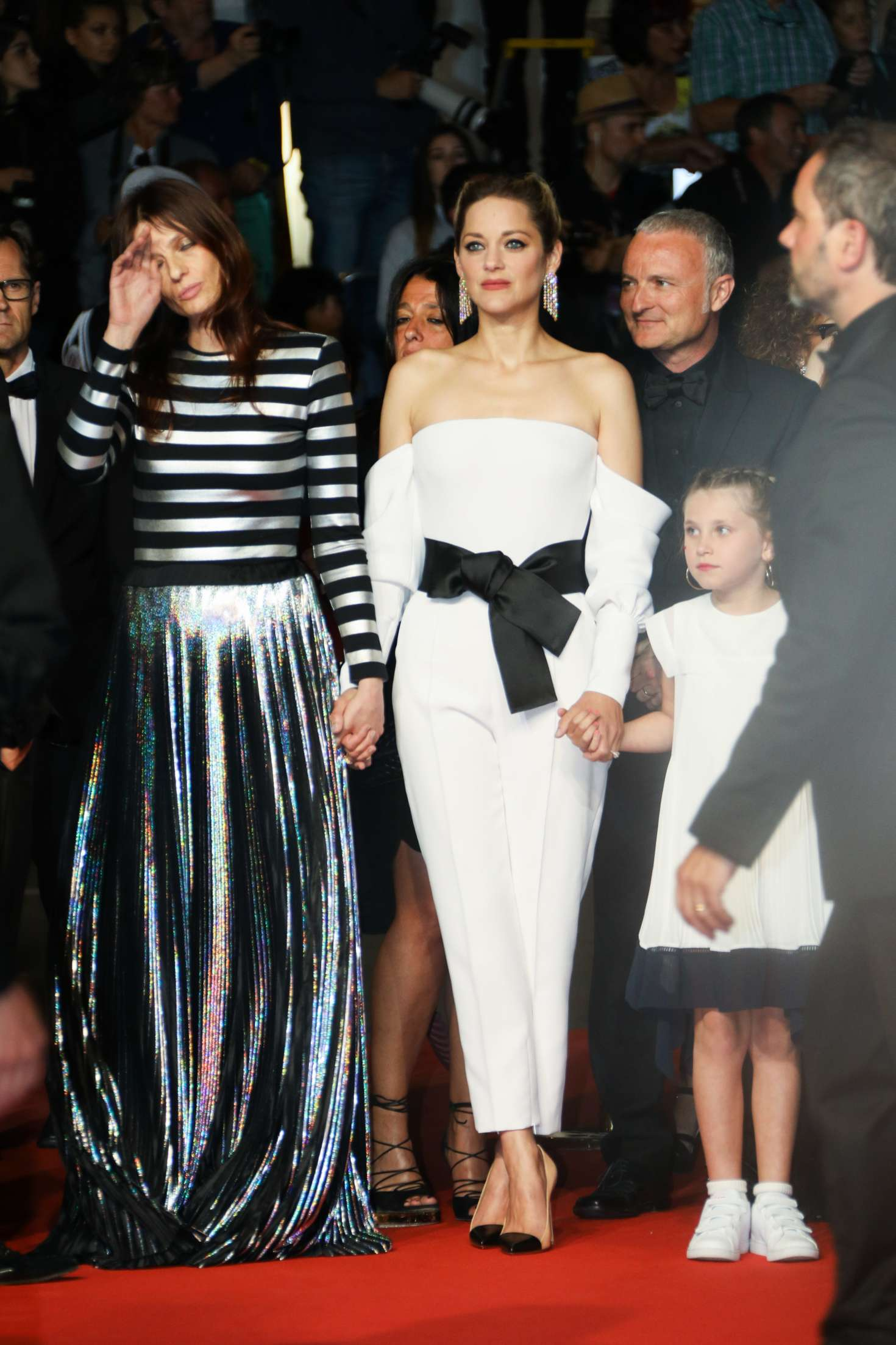 http://www.gotceleb.com/wp-content/uploads/photos/marion-cotillard/3-faces-premiere-at-2018-cannes-film-festival/Marion-Cotillard:-3-Faces-Premiere-at-2018-Cannes-Film-Festival--08.jpg