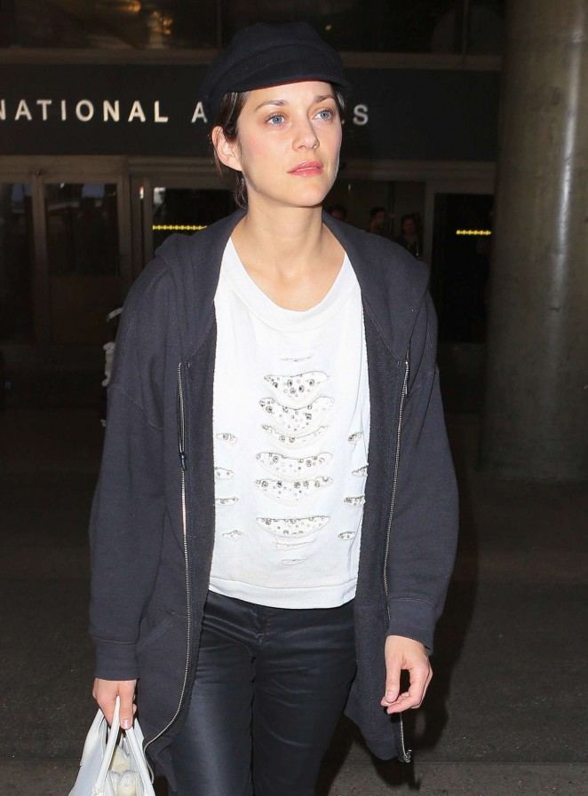 Marion Cotillard - Arrives at LAX Airport in Los Angeles