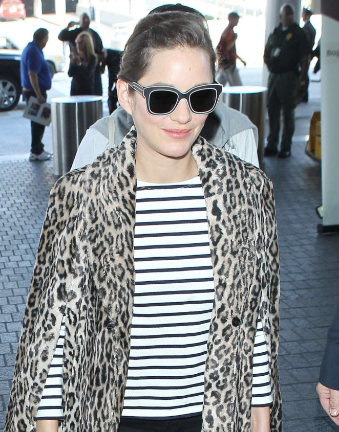 Marion Cotillard at LAX Airport -08