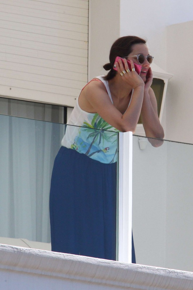 Marion Cotillard - Hotel balcony in Cannes