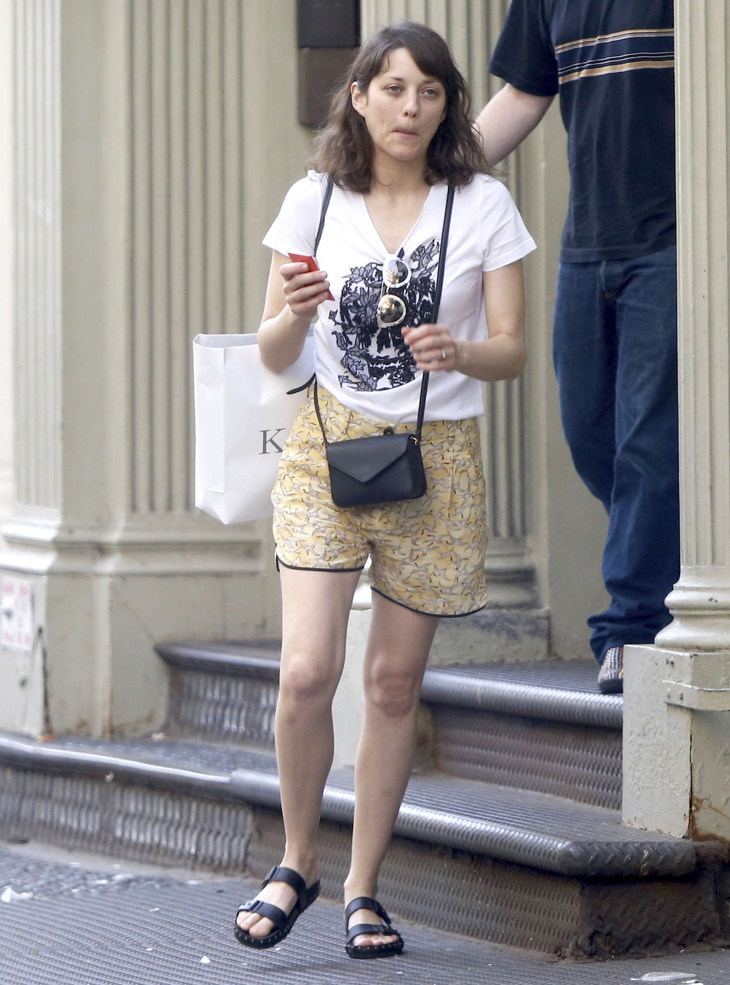 http://www.gotceleb.com/wp-content/uploads/photos/marion-cotillard/out-and-about-in-new-york-city/Marion-Cotillard-in-Shorts--13.jpg