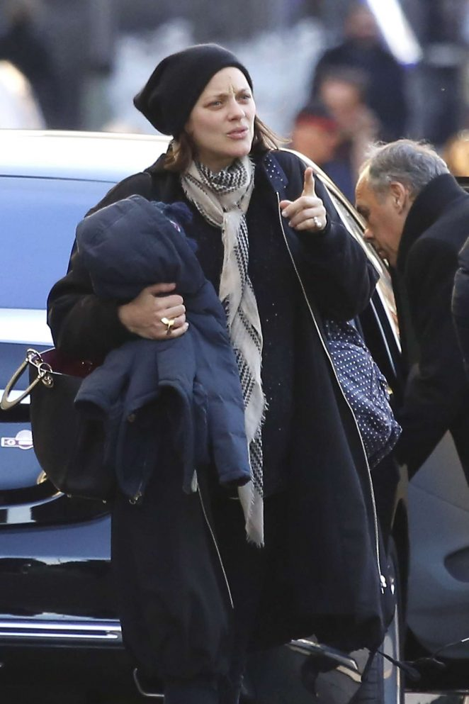 Marion Cotillard out with family in Nice