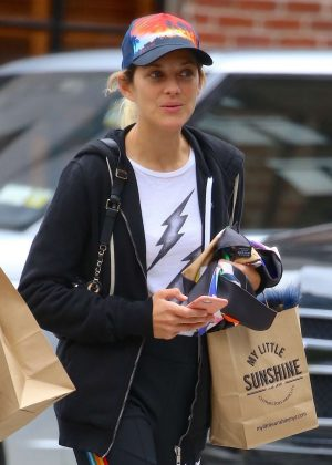 Marion Cotillard - Shopping in NYC