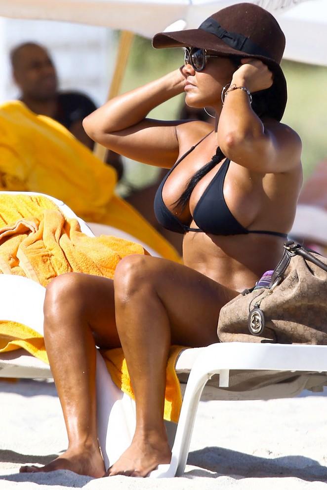 Maripily Rivera – In A BIkini On the Beach In Miami