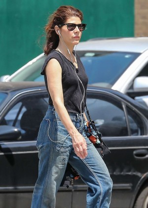 Marisa Tomei In Jeans Out In Nyc