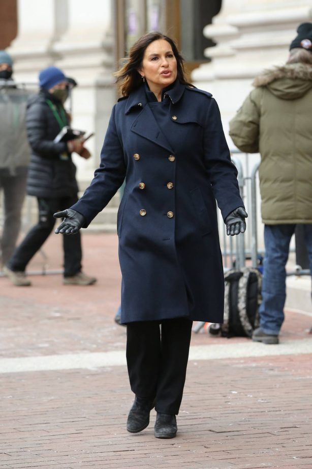 Mariska Hargitay and Annabella Sciorra - Film 'Law and Order: SVU' at One Police Plaza in New York
