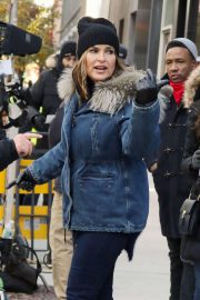 Mariska Hargitay - On the set of 'Law and Order: Special Victims Unit' in New York
