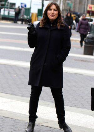 Mariska Hargitay - On the set of 'Law and Order: Special Victims Unit'