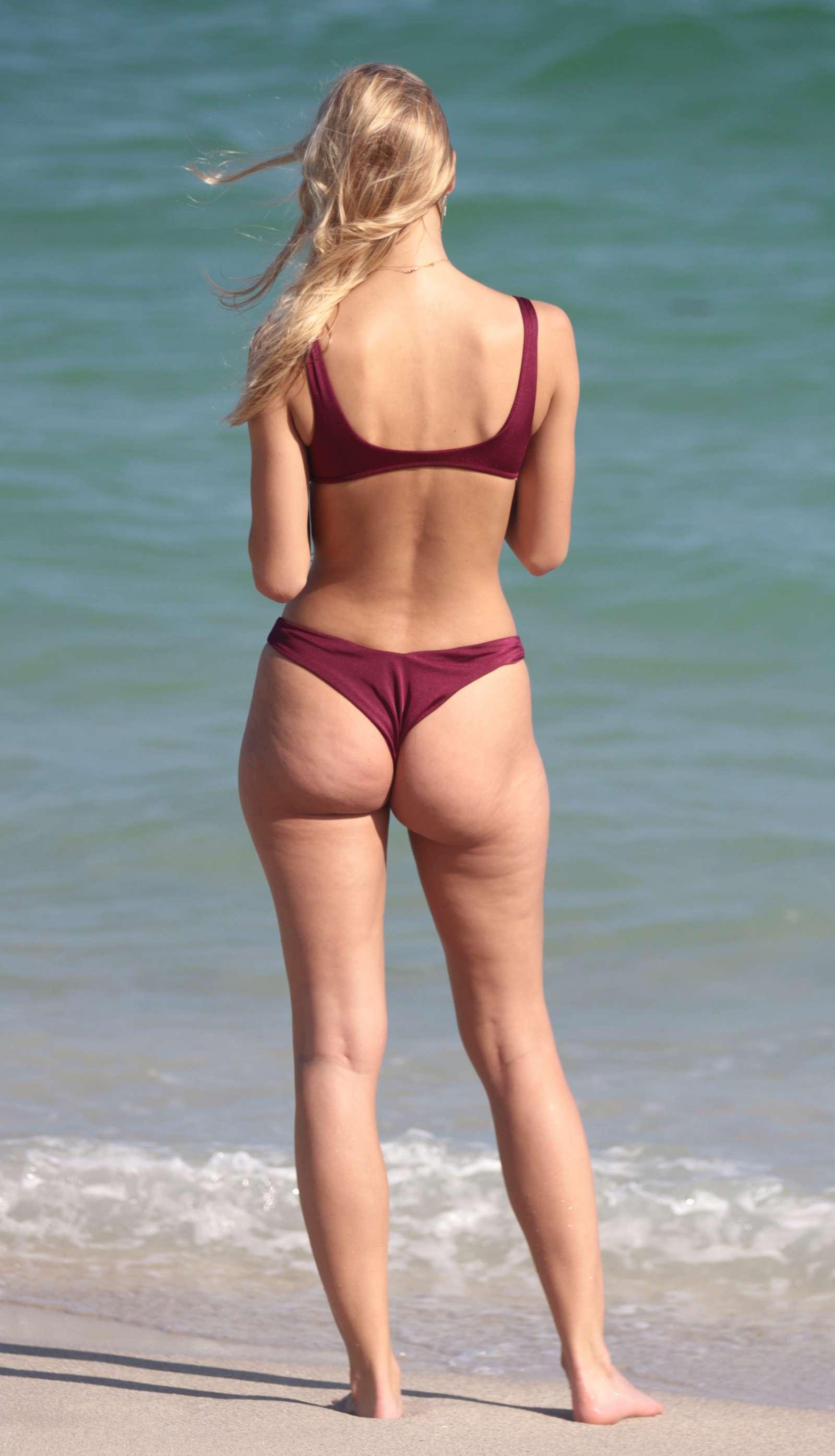 Mariya Melnyk in Bikini on the beach in Miami Beach Pic 10 of 35