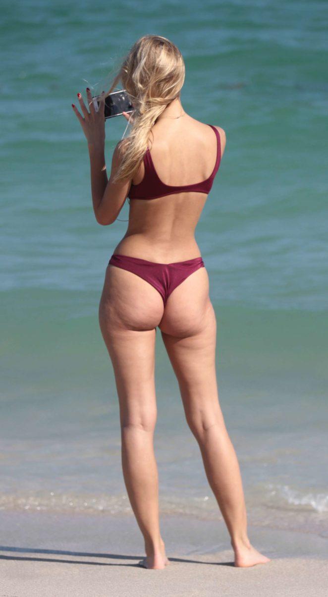 Mariya Melnyk in Bikini on the beach in Miami Beach Pic 2 of 35