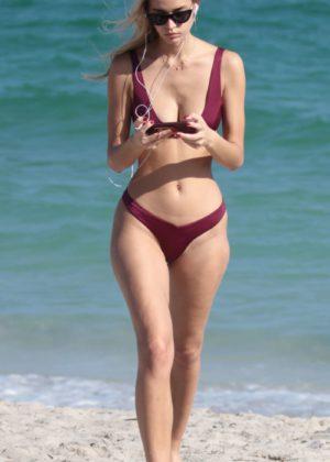 Mariya Melnyk in Bikini on the beach in Miami Beach Pic 9 of 35
