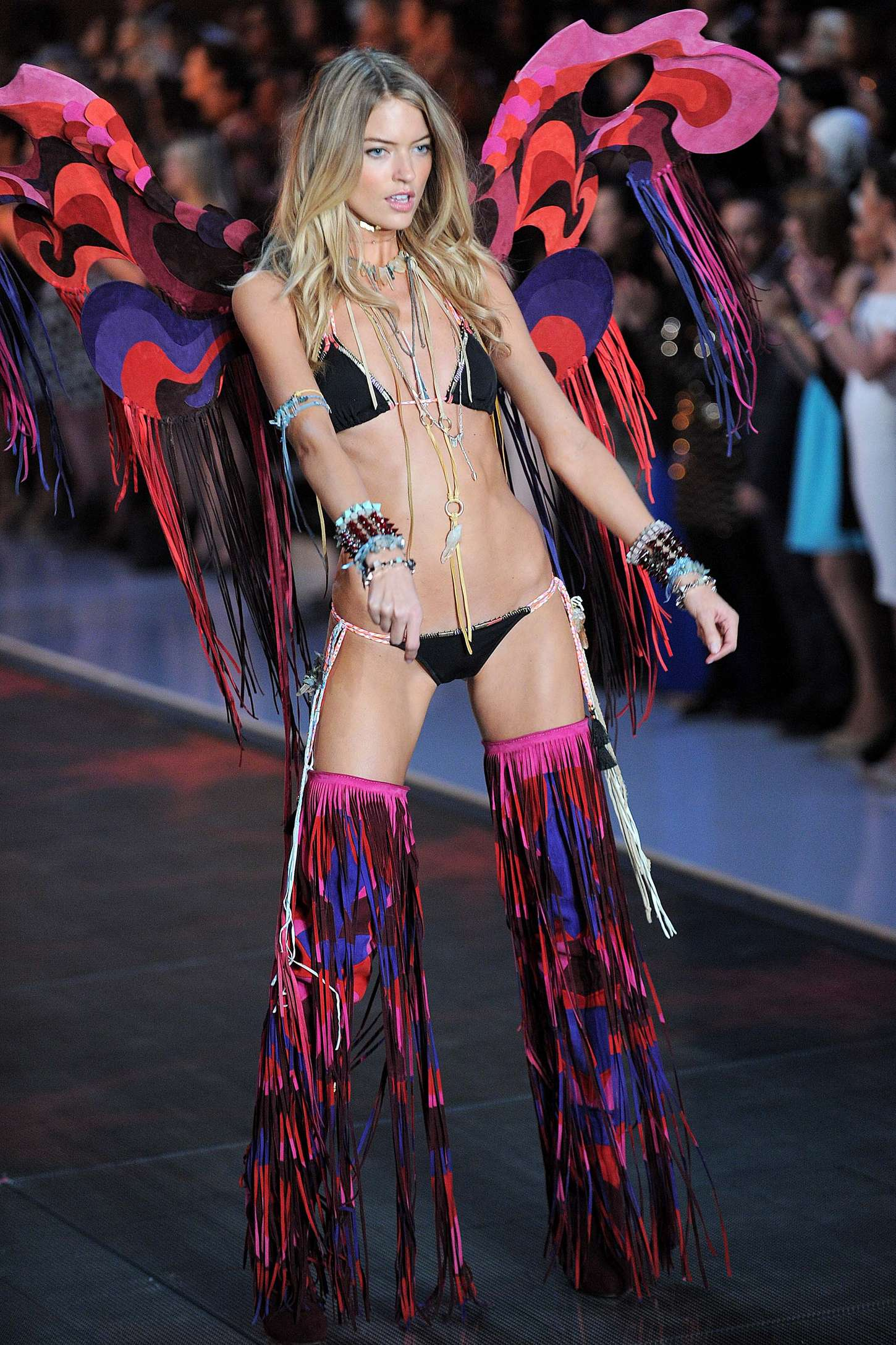 Martha Hunt 2015 Victorias Secret Fashion Show Runway 07 Gotceleb