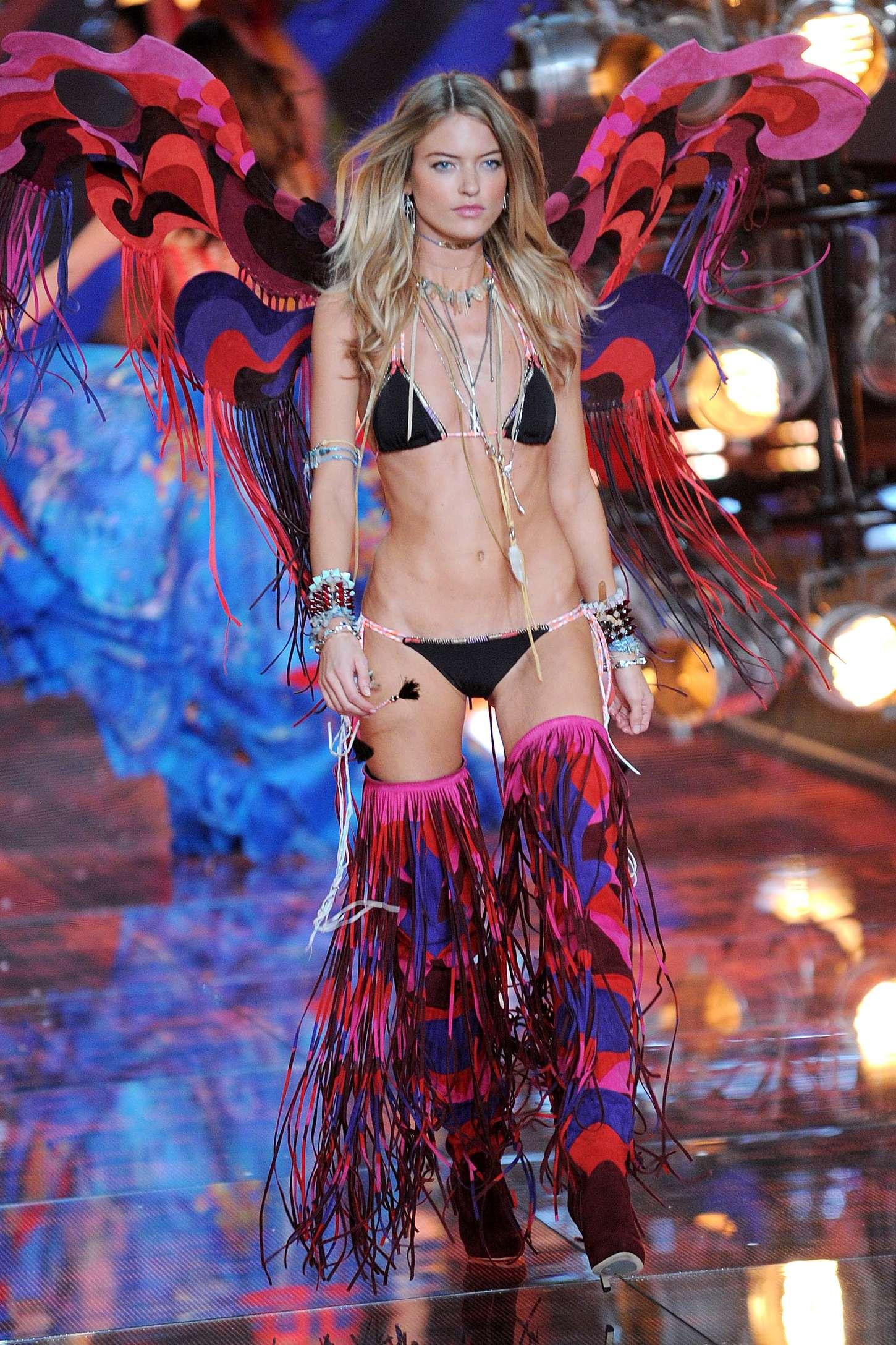 459902db68 Martha Hunt  2015 Victorias Secret Fashion Show Runway -08 - Full Size