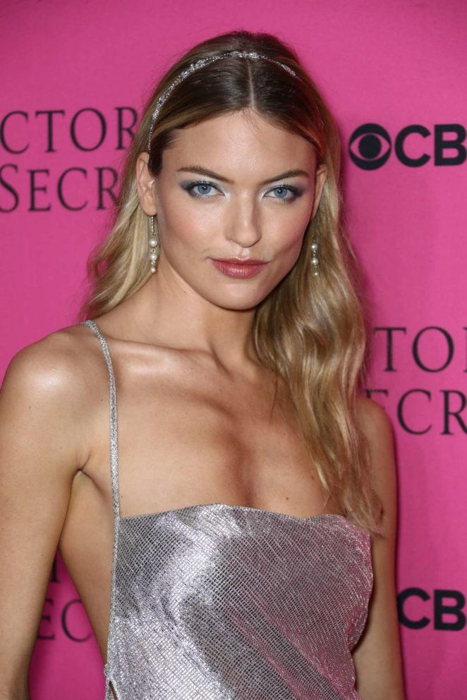 Martha Hunt - 2017 Victoria's Secret Viewing Party in New York City