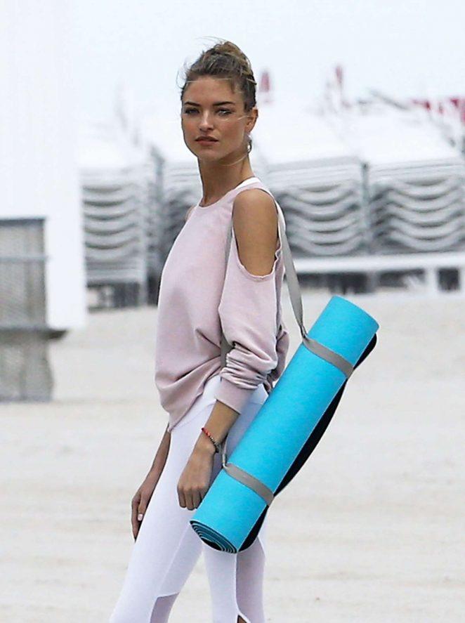 Martha Hunt and Lais Ribeiro Photoshoot on the Beach in Miami