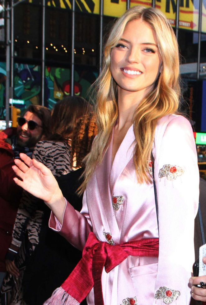 Martha Hunt - Arrives at Good Morning America in New York