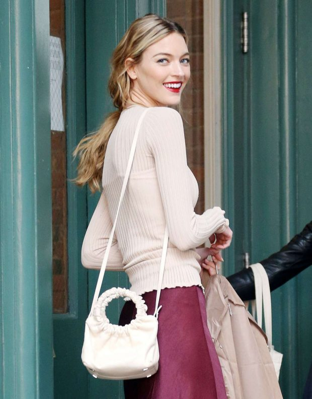 Martha Hunt - Arrives at Taylor Swift's Home in New York