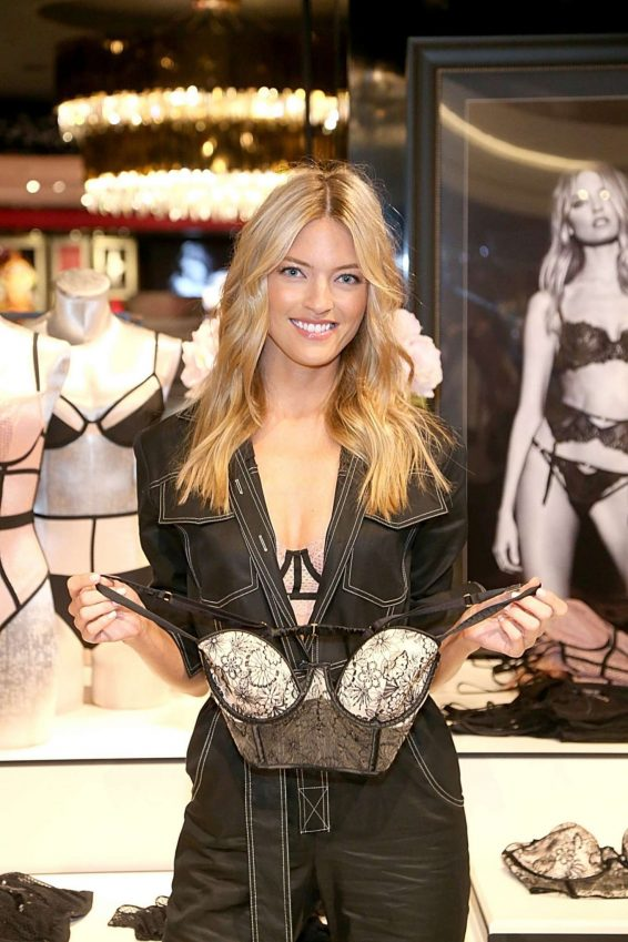 Martha Hunt 2019 : Martha Hunt – Victorias Secret Debut of the New Fall Collection in Houston-01