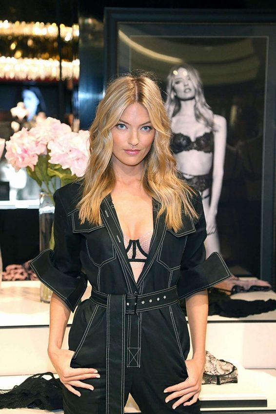 Martha Hunt 2019 : Martha Hunt – Victorias Secret Debut of the New Fall Collection in Houston-20