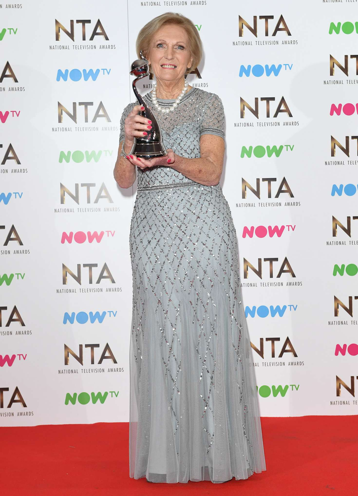 Mary Berry 2017 : Mary Berry: 2017 National Television Awards -06