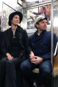 Mary Elizabeth Winstead and Ewan McGregor - Hold hands while riding the NYC Subway