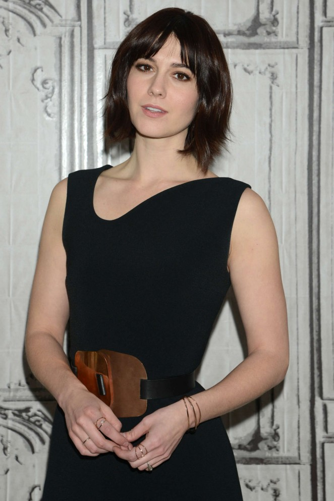Mary Elizabeth Winstead - AOL Discussing '10 Cloverfield Lane' in NY
