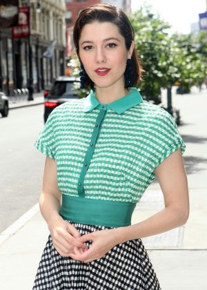 Mary Elizabeth Winstead - Arriving for AOL Build in New York City