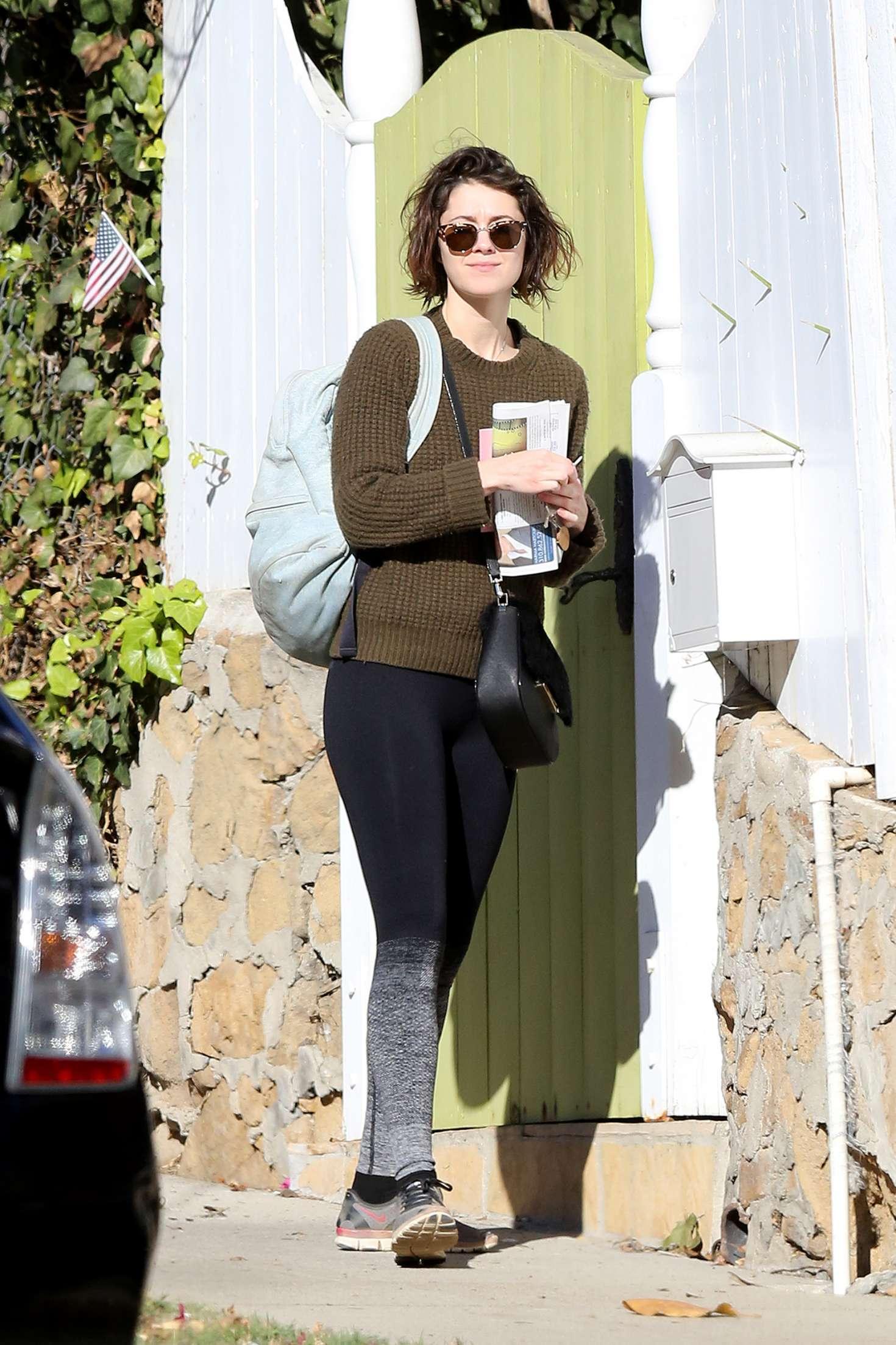 Mary Elizabeth Winstead - Leaving Ewan McGregor's home in LA