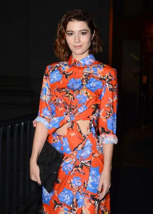 Mary Elizabeth Winstead - Monique Lhuillier Fashion Show Spring 2016 NYFW in NYC