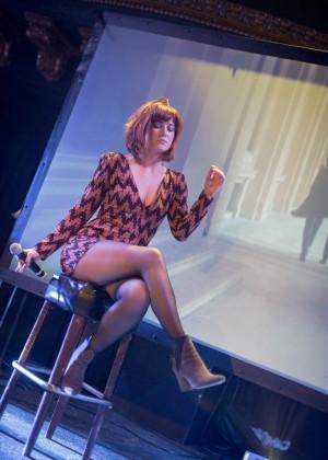 Mary Elizabeth Winstead - Performing in San Francisco