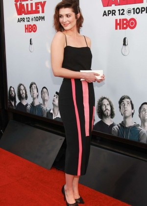 "Mary Elizabeth Winstead - ""Silicon Valley"" Season 2 Premiere in Hollywood"