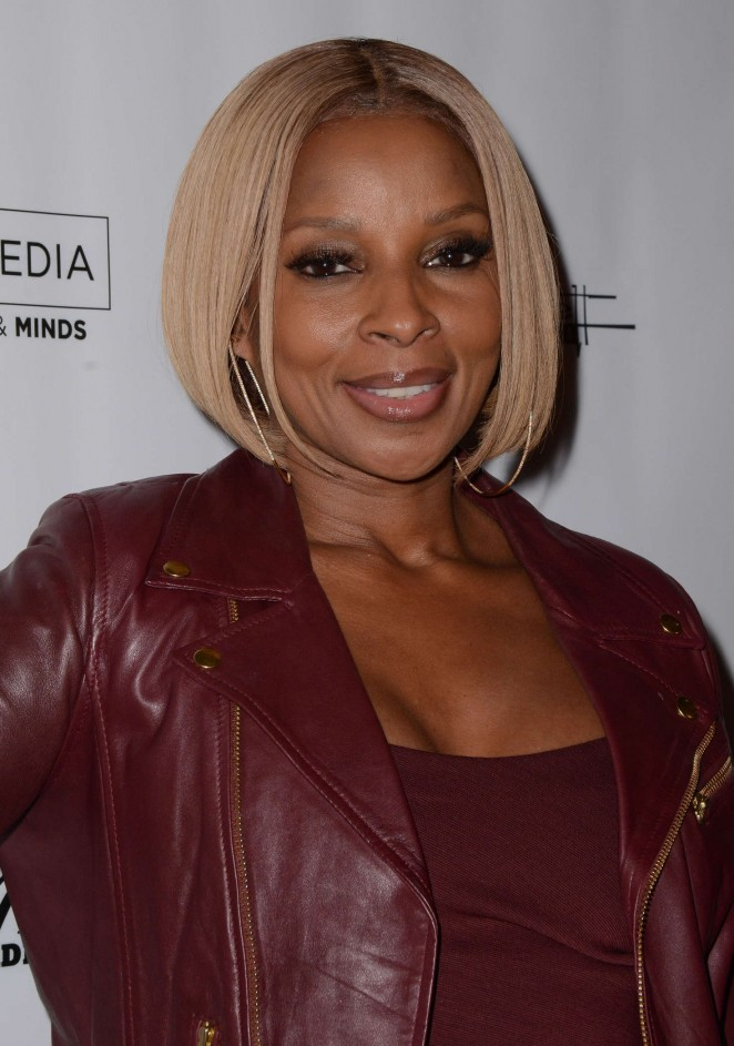 Mary Jane Blige - 'Freeze Frame' Gala in Beverly Hills