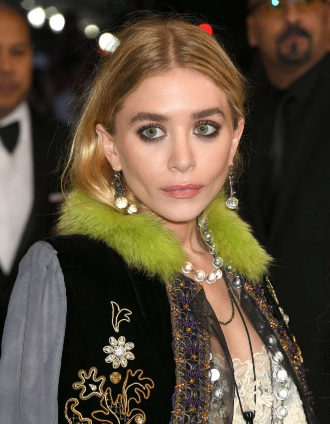 Mary-Kate-and-Ashley-Olsen:-2017-MET-Cos