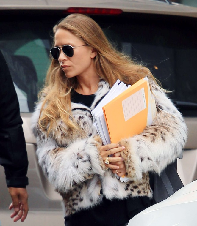 Mary-Kate Olsen out and about in NYC -10