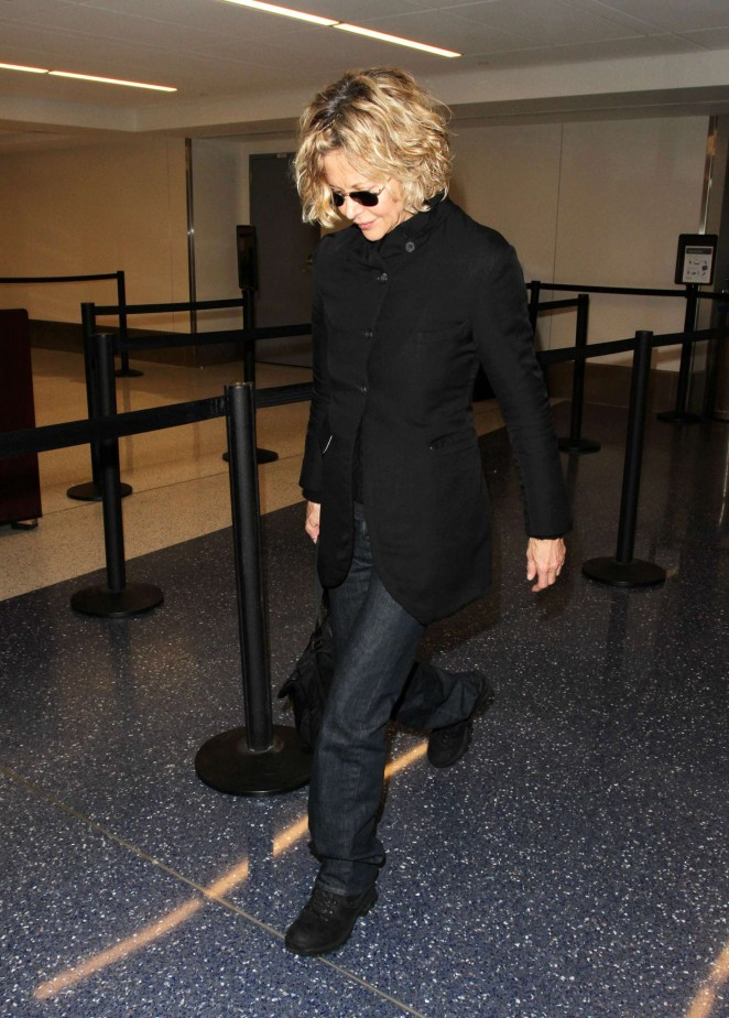 Meg Ryan at LAX Airport -04