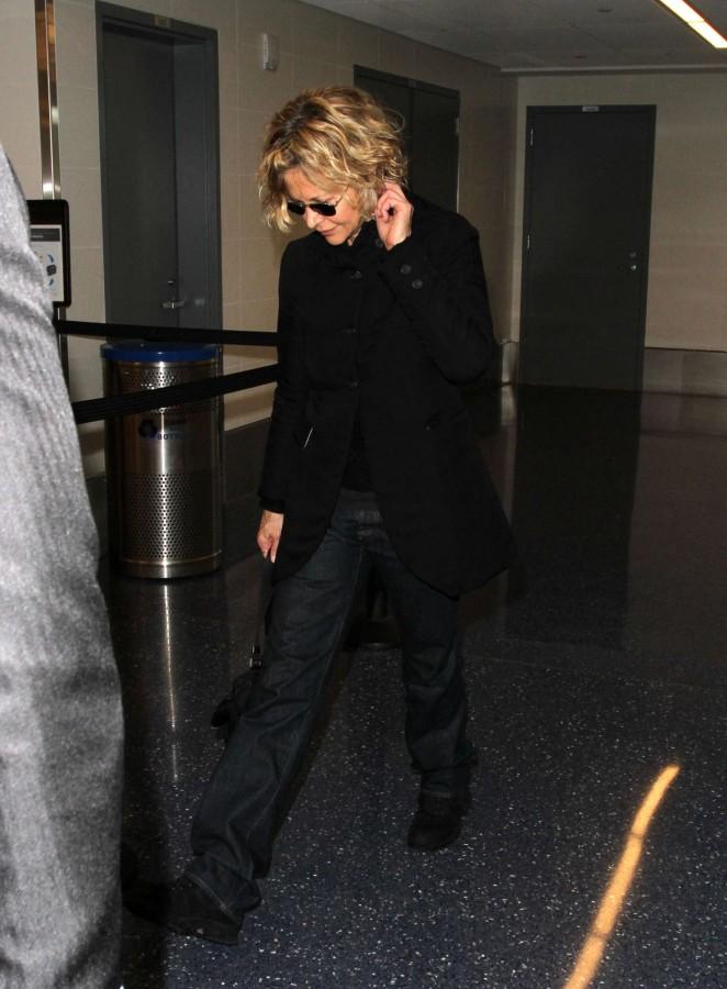 Meg Ryan at LAX Airport -05