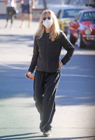 Meg Ryan - Seen out in Santa Monica