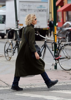 Meg Ryan Shopping in Soho