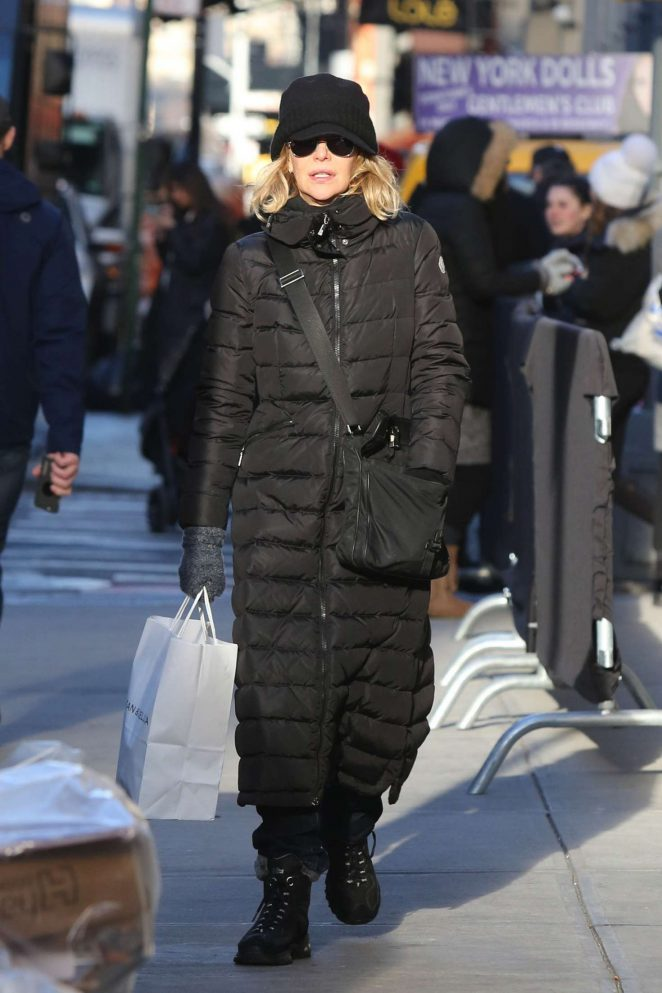 Meg Ryan - Shopping in Soho