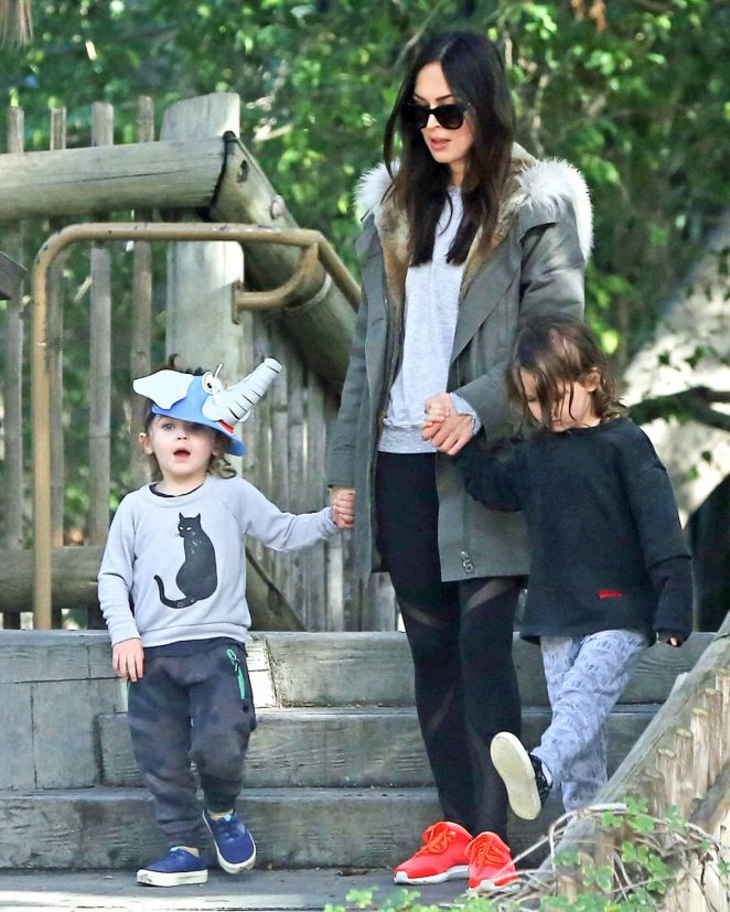 Megan Fox and Her Family Visiting the zoo -22 - GotCeleb